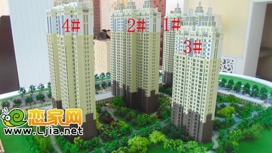 万达公馆位于邯郸市东部,紧邻东柳大街,柳青路以南,人民路与和平路之间,占据闹钟取静的臻品地段。项目共由四栋欧式高层建筑、临街商业配套以及地下两层组成,其中1#、2#、4#为33层,观景楼王3#为27层,12层临街商铺。邯郸首席欧式园林景观社区万达公馆即将耀放全城。  万达公馆沙盘实景 目前,万达公馆的所有精品户型均已出来,共有八款户型,户型区间在85196之间。舒适两居、大气三居以及高端观景四居,多款精品户型让人目不暇接。户型方正、南北通透、餐客一体、入户花园、双阳台设计.