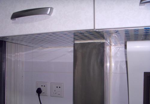 吊柜和侧吸烟机的位置细节关系