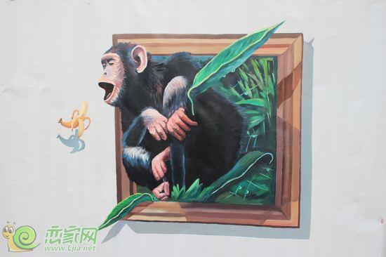 此次画展以自然风景和动物为主,一幅幅生动的画面,通过光的折射产生的