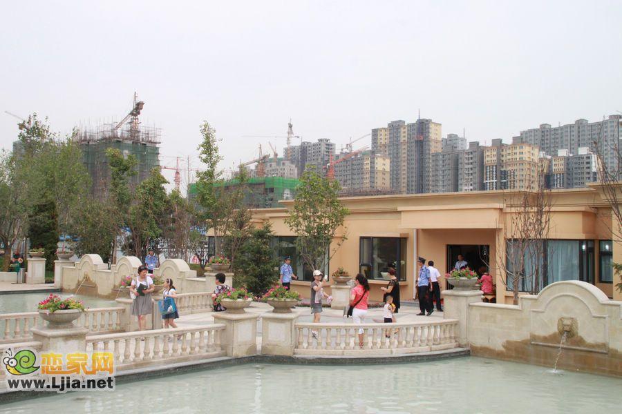 赵都新城地处邯郸市南部占地面积1300余亩,可同时满足12万人口居
