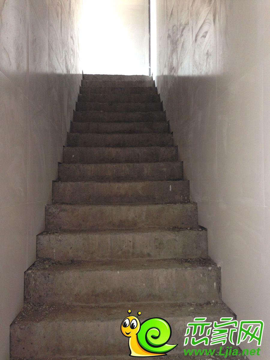 北海庄园景园楼梯实景图(2014.7.3)