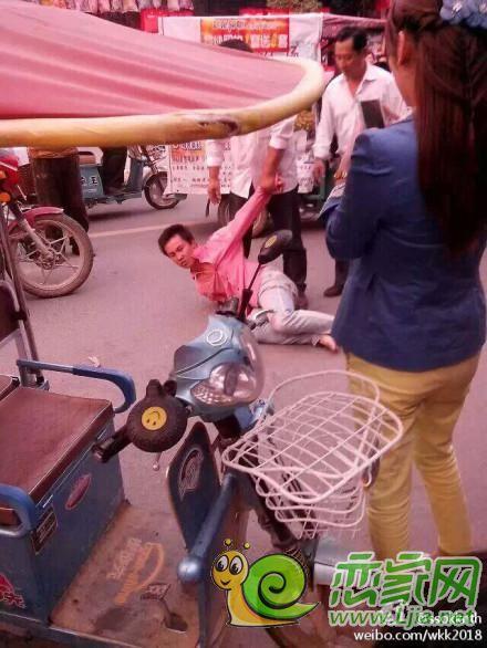 河南平舆发生砍人事件 多名小孩被当街砍伤_社