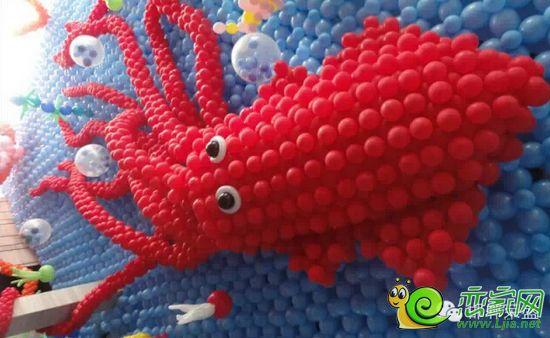 """""""海洋总动员""""大型创意气球展空降邯郸"""