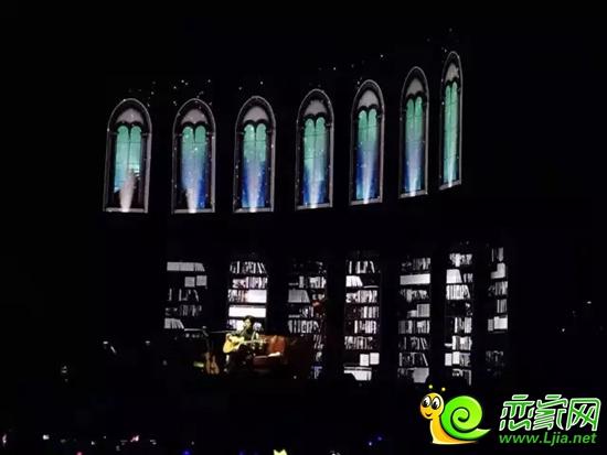 """解密李健演唱会:明年无法""""再见"""",所以弥足珍贵图片"""