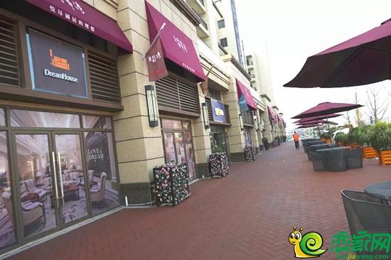 """翠湾距省级重点中学--""""武安一中""""只有一街之隔;另外项目东侧还配图片"""